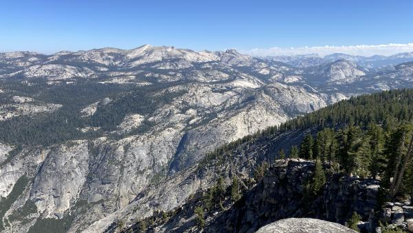 Looking over the Sierras from the trail to Cloud's Rest